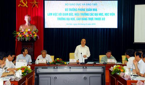 bo-truong-giao-duc-dai-hoc-phai-thu-hut-nha-khoa-hoc-nuoc-ngoai-ve-lam-viec
