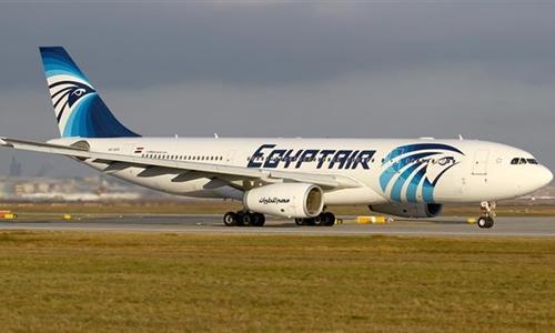 Máy bay của hãng hàng không Ai Cập Egypt Air phải hạ cánh khẩn cấp vì bị dọa đánh bom. Ảnh: Press TV