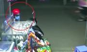 Xe SH rú còi báo động khiến tên trộm bỏ chạy
