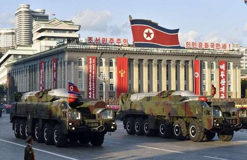 Tên lửa đạn đạo tầm trung Musudan trong cuộc diễu binh tại Bình Nhưỡng năm 2015. Ảnh: