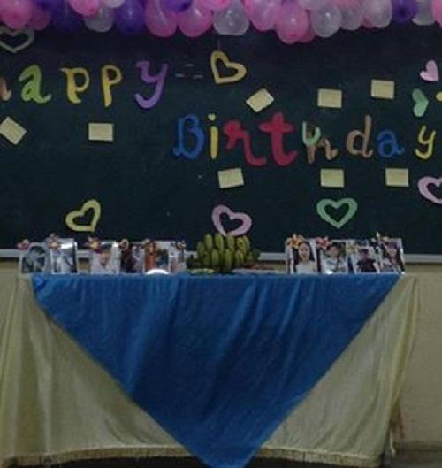 Chỉ là tổ chức tiệc sinh nhật cho các bạn trong lớp mà thôi.