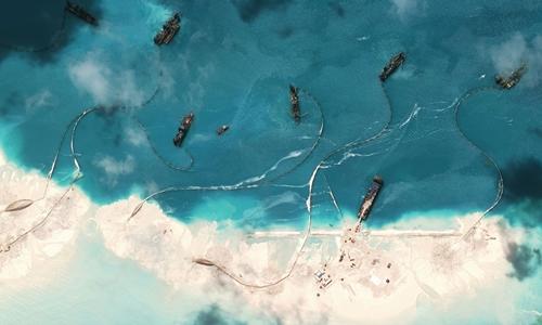 Trung Quốc bồi đắp, cải tạo đá Vành Khăn, thuộc quần đảo Trường Sa của Việt Nam. Ảnh: CSIS