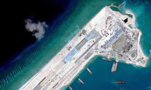 Trung Quốc xây trái phép đảo nhân tạo tại quần đảo Trường Sa, thuộc chủ quyền của Việt Nam, ở Biển Đông. Ảnh: DigitalGlobe