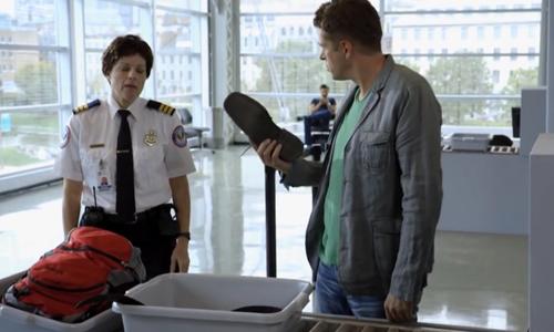 Hành khách đứng hình vì hành lý thất lạc ở sân bay - hành lý thất lạc, ở sân bay