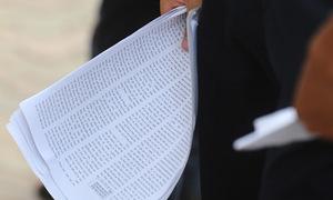 Hơn 130 người bị đình chỉ trong ngày thi thứ hai