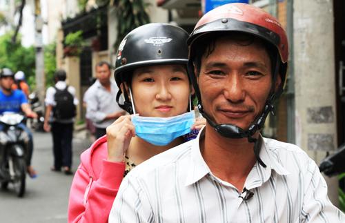 hanh-trinh-18-nam-den-truong-cua-cha-con-thi-sinh-bi-cam-diec-2