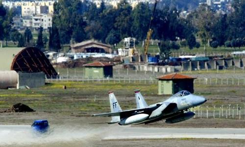 Chiến đấu cơ cất cánh từ căn cứ không quân Incirlik, Thổ Nhĩ Kỳ. Ảnh: RT.