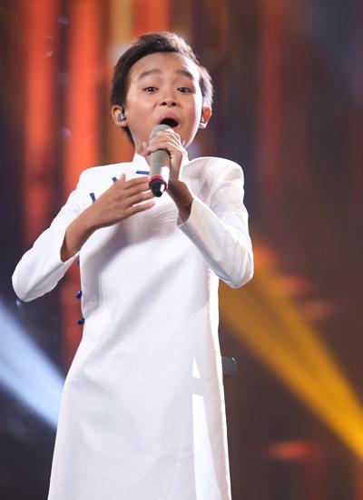 Cậu bé nghèo Hồ Văn Cường đang được tung hô quá đà tại Vietnam Idol Kids - Hồ Văn Cường
