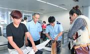 Điều chuyển hai nhân viên hải quan Đà Nẵng bị tố vòi vĩnh