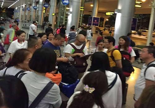 Du khách Trung Quốc cướp lời hướng dẫn viên Việt Nam để xuyên tạc lịch sử - du khach Trung quoc xuyen tac lich su