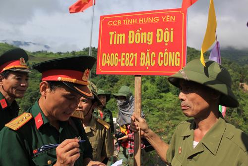 cuu-binh-vuot-hang-tram-km-ve-bien-gioi-tim-dong-doi