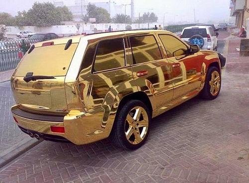 Những chiếc xe dát vàng thường xuất hiện trên đường phố Dubai - chỉ có ở Dubai, Dubai