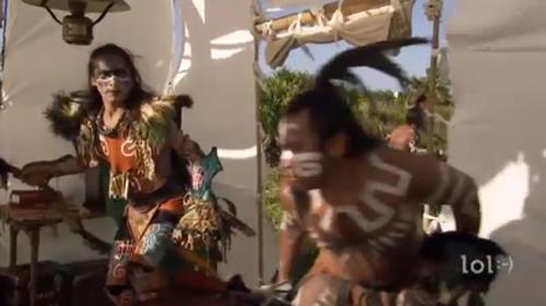 Các thổ dân chạy thục mạng vì tiếng của vẹt - chàng thổ dân