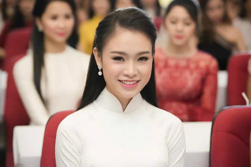 nguoi-dep-tuyen-thang-dh-ngoai-thuong-vao-chung-ket-hoa-hau-viet-nam-2016
