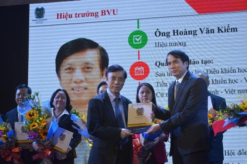 20-sinh-vien-tot-nghiep-tham-gia-duoc-vao-thi-truong-lao-dong-quoc-te-goi-bai-edit