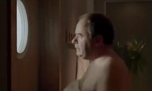Người đàn ông hốt hoảng vì tưởng nhà bếp là phòng tắm hơi