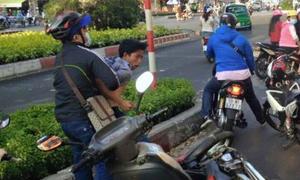 Hàng loạt quận ở TP HCM thưởng tiền người dân bắt cướp
