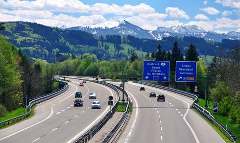 di-290-km-h-tren-autobahn-co-gi-dac-biet