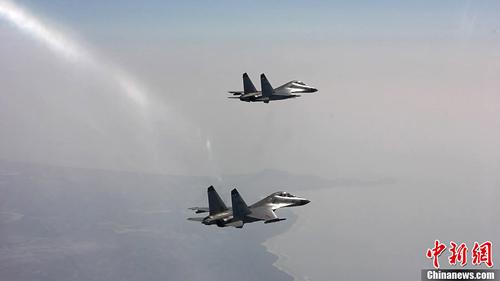 Hàng chục máy bay tiêm kích đã được điều động tham gia diễn tập