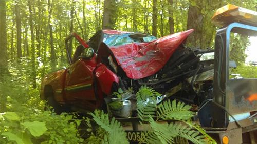 Chiếc xe gặp tai nạn của ôngRonald Clinard