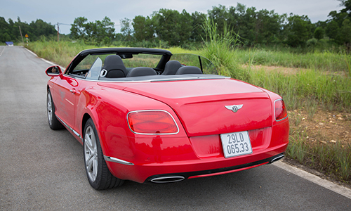 bentley-continental-gtc-xe-sang-cho-dai-gia-thich-toc-do-page-2-6