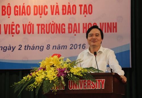 bo-truong-phung-xuan-nha-giao-duc-phai-coi-trong-van-hoa-gia-dinh