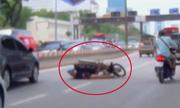 Những thanh niên ôm hận vì diễn xiếc xe máy