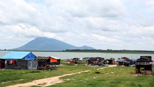 hon-nghin-viet-kieu-khong-quoc-tich-song-ven-ho-dau-tieng