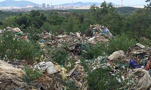 Phát hiện 60 tấn rác thải nằm gần nhà máy Formosa