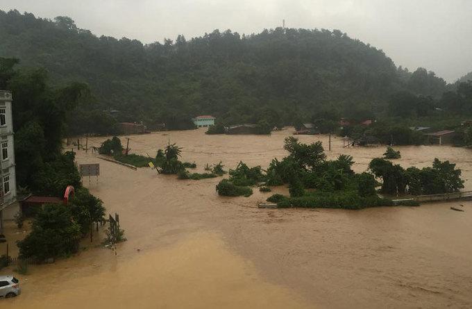 Lào Cai ngập trong biển nước