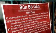 Quán bún bò ở Sài Gòn bị tịch thu bảng nội quy