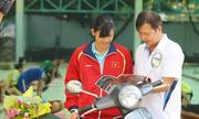 Ánh Viên tặng 8 xe máy cho họ hàng gây sốt cộng đồng