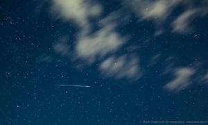 Hình ảnh mưa sao băng Perseid rực sáng bầu trời