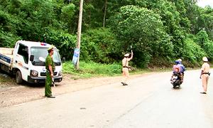 Hơn 200 cảnh sát truy lùng hung thủ gây thảm án ở Lào Cai