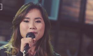 Cô gái trẻ say đắm trong ca khúc 'The melody' và 'Get out '