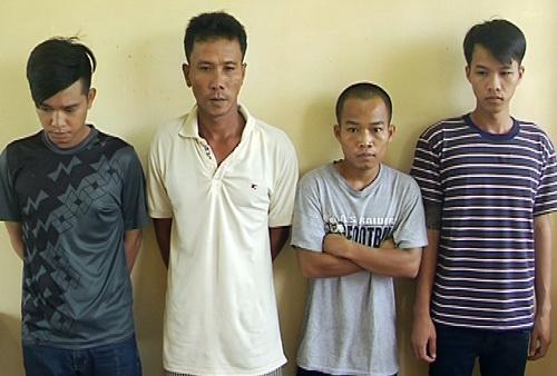 Bốn nghi phạm bị bắt giữ. Ảnh: Thái Hà
