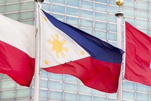 Cờ Philippines (chính giữa) tại trụ sở Liên Hợp Quốc ở New York, Mỹ. Ảnh: UN