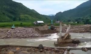 Hàng trăm hộ dân bị cô lập vì lũ ở Lào Cai