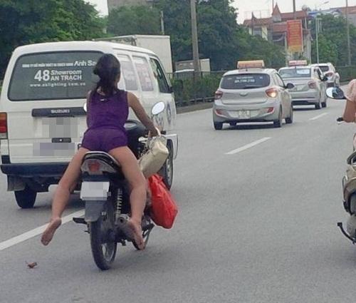 Dáng lái xe bá đạo nhất Việt Nam - ảnh hài hot nhất Facebook, 10 ảnh hot Facebook