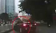 Toyota đánh võng kiểu Fast & Furious trên đường Hà Nội