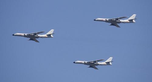 Máy bay chở tên lửa hành trình