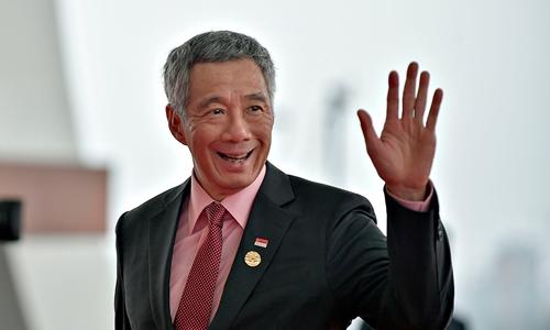 thu-tuong-singapore-len-tieng-ve-suc-khoe-sau-khi-ngat-tren-truyen-hinh