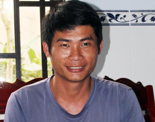 Tài xế Phan Văn Bắc không dám nhận người anh hùng vì cho rằng tài xế nào gặp tình huống như anh cũng tương trợ nhau. Ảnh: Hoài Thanh