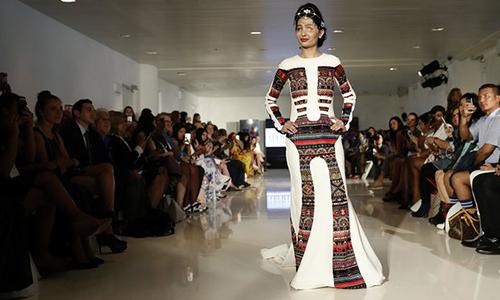 Reshma Quereshi trình diễn ở Tuần lễ Thời trang New York hôm qua. Ảnh: AP