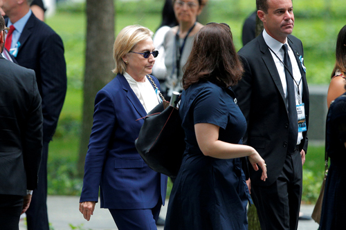 Bà Clinton đến dự sự kiện tại Đài Tưởng niệm Quốc gia 11/9 ởNew York