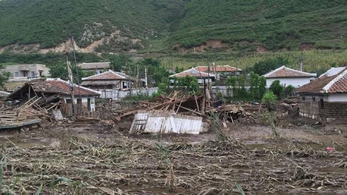 Những hình ảnh đầu tiên về hậu quả lũ lụt Triều Tiên