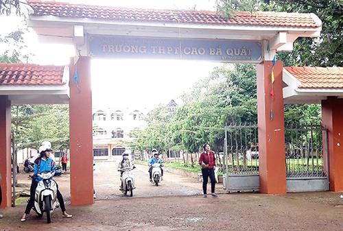 Nhiều học sinh trường THPT Cao Bá Quát cho rằng bị ép học tăng tiết. Ảnh: Kh.Uyên