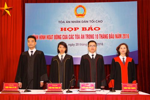 thm-phan-se-mac-ao-choang-dai-khi-xet-xu