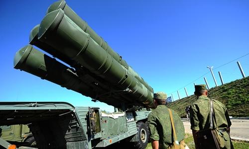 Hệ thống tên lửa phòng không S-400 của Nga. Ảnh: Tass.