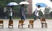 Những cách vui chơi bá đạo khi đường phố bỗng hóa thành sông
